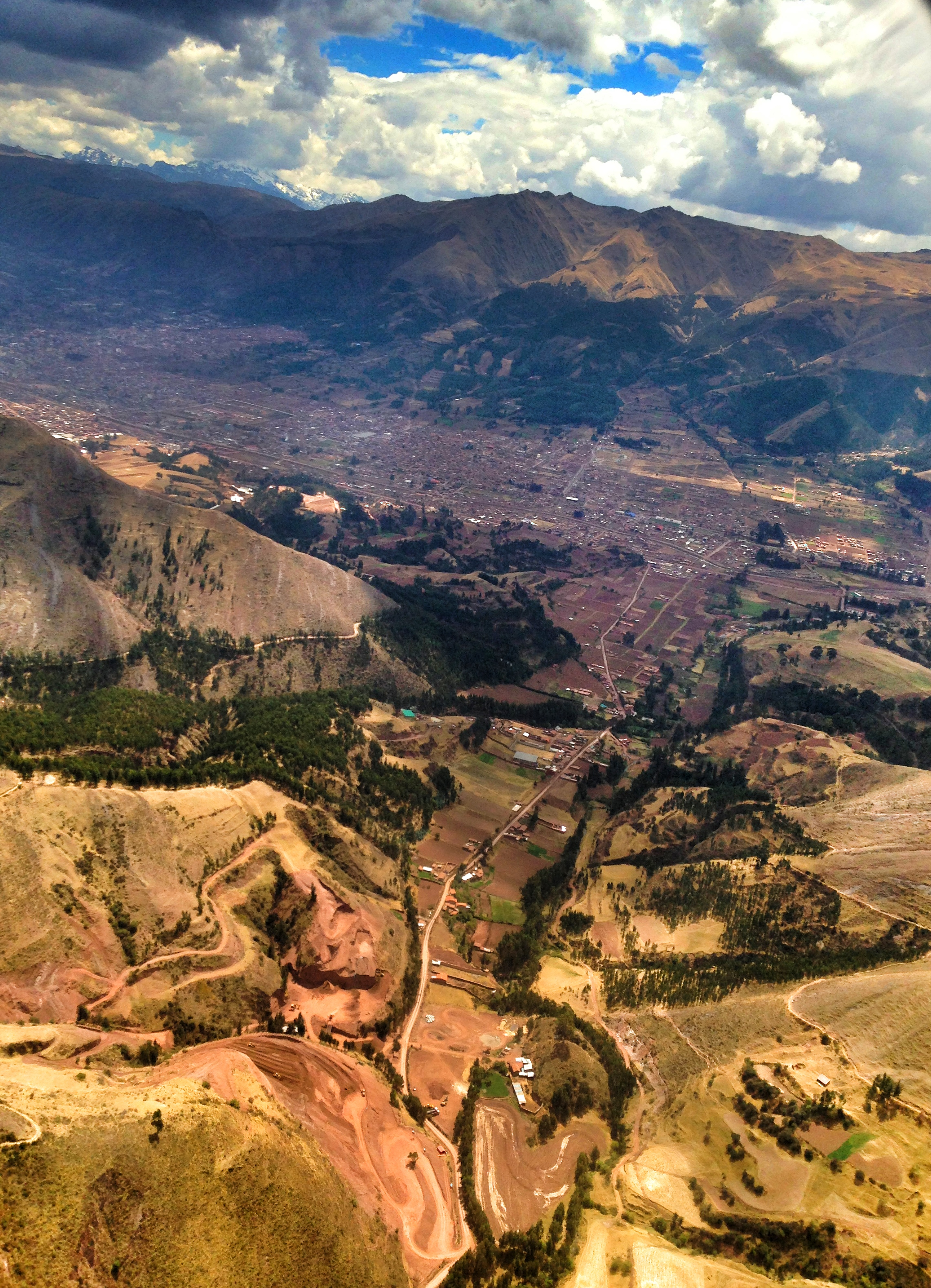 Flying into the belly of the mountains. Cuzco